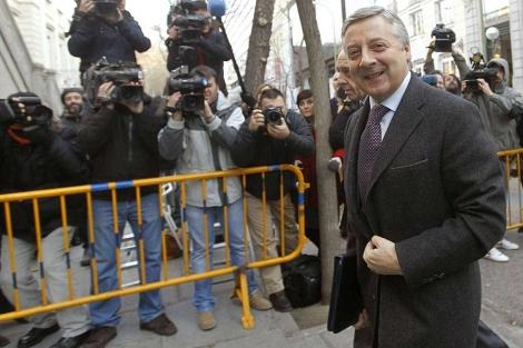 José Blanco, llegando al Supremo para declarar el 26 de enero de 2012. | Foto: Efe / J. Lizón