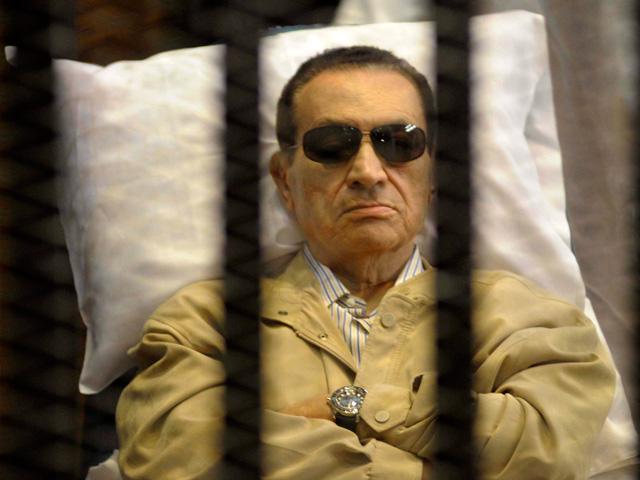 Hosni Mubarak, durante un momento del juicio celebrado en 2012. | Reuters