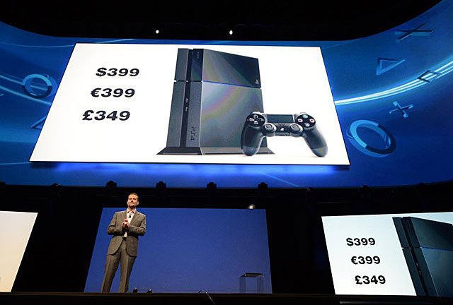 El presidente de Sony Computer Entertainment, Andrew House, presenta la PS4
