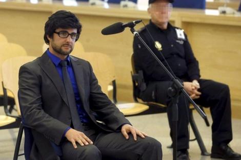 Falciani, con gafas y peluca, en la Audiencia Nacional. | Pool