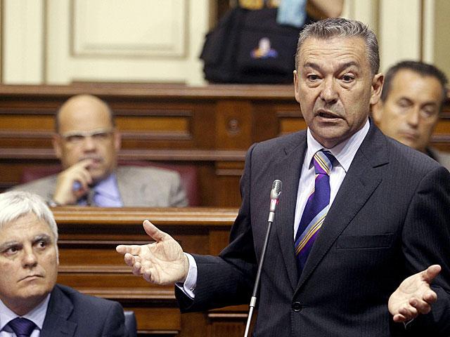 Paulino Rivero, durante una de sus intervenciones en el Parlamento canario. | Cristóbal García / Efe