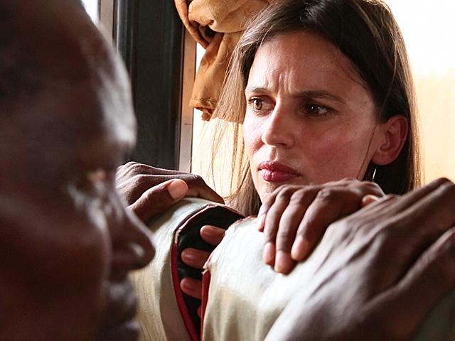 La actriz Elena Anaya durante la grabación del documental 'Welcome to my country'. | Acnur