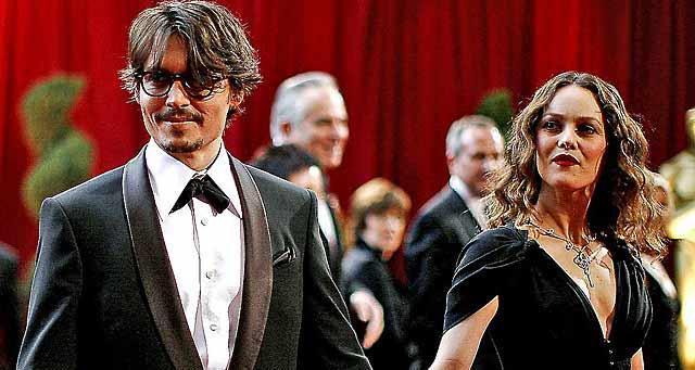 Johnny Depp con Vanessa Paradis cuando estaban juntos.   Reuters