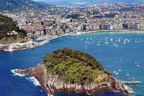 Vista panorámica de la ciudad de San Sebastián.   Justy García