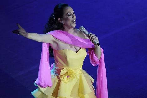 Isabel Pantoja, durante su concierto en el Palacio de Congresos de Sevilla. | Conchitina