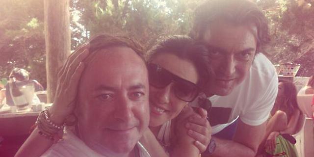 Raquel Sánchez Silva con sus amigos Tomás y Perico   Twitter@raqsanchezsilva