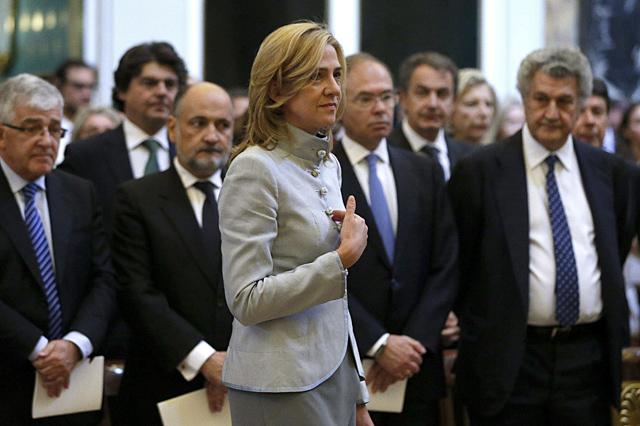 Caso Nóos: Hacienda admite dos fallos en el DNI de la Infanta Cristina y culpa de 11 a los notarios | elmundo.es