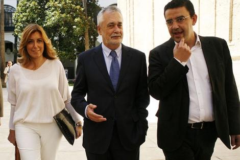Susana Díaz, José Antonio Griñán y Mario Jiménez, este miércoles en el Parlamento. | E Lobato