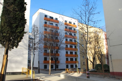 Edificio rehabilitado en Ciudad de los Ángeles (Villaverde, Madrid). | J. F. L.
