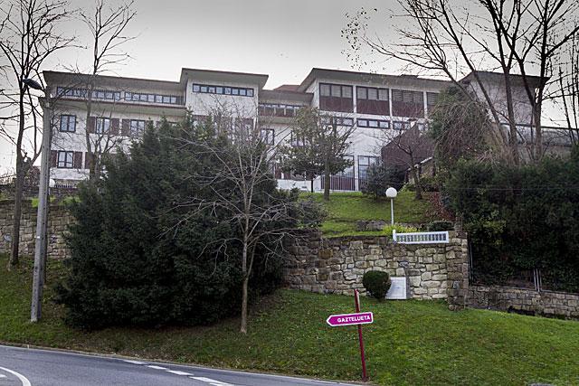El colegio Gaztelueta, en Bizkaia, uno de los afectados. |E.M.