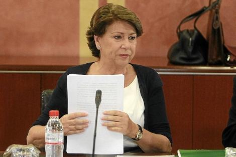 La ex ministra Álvarez, en su comparecencia ante el Parlamento por los ERE. | C. Márquez