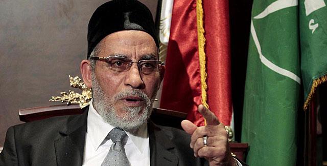 El líder de los Hermanos Musulmanes, Mohamed Badia, detenido tras la caída de Mursi. | Reuters