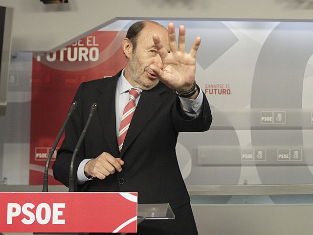 Alfredo Pérez Rubalcaba, en la rueda de prensa junto a Martin Schulz. | Paco Toledo