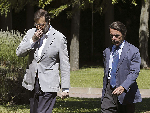 Rajoy y Aznar en el campus Faes. | Efe