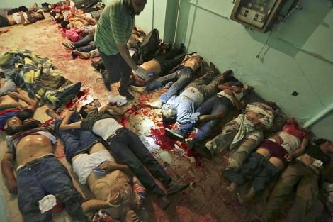 Los cadáveres de los islamistas asesinados en El Cairo.| Reuters