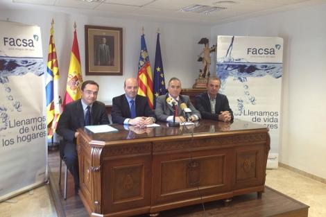 La firma del convenio, este miércoles. | ELMUNDO.es
