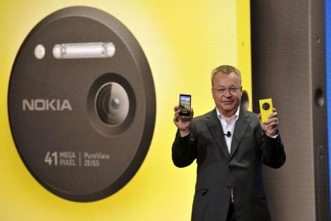 Elop, consejero delegado de Nokia, en la presentación Lumia 1020.   Afp