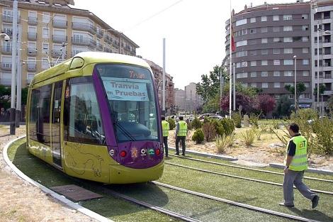 Uno de los vagones del tranvía de Jaén, durante las pruebas de hace un año. | M. Cuevas