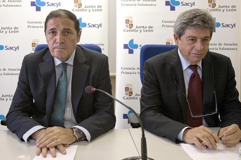 El consejero de Sanidad y el presidente de SEOM en Salamanca.   Ical