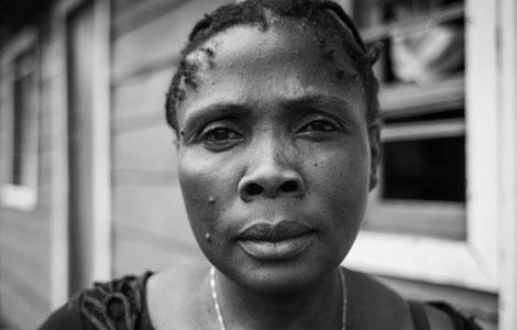 Bahati, violada por varios soldados y hoy asistente de otras mujeres asaltadas. | Raquél Villaécija