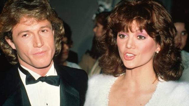 Andy Gibb y Victoria Principal. | JR