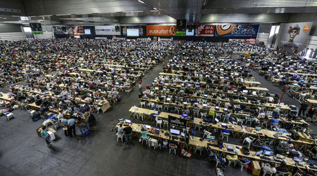 Vista de los 6.000 asistentes a la Euskal Encounter, inaugurado hoy en Barakaldo. | Efe