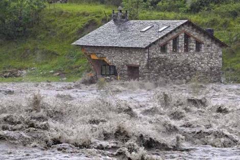 Inundaciones del Valle de Benasque, en el Pirineo oscense. | Efe
