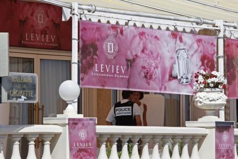 La policía de Niza investiga el robo en el Hotel Carlton de Cannes.| Reuters