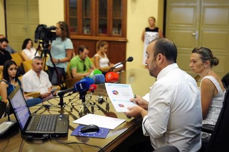 Rueda de prensa de la presentación del sondeo. | Jesús G. Hinchado