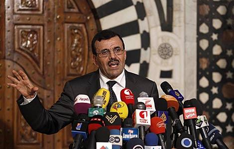 El 'premier' tunecino, Ali Laridi, durante una rueda de prensa en la capital tunecina.   Efe