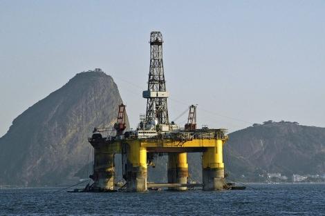 Plataforma de extracción de petróleo en Brasil. | El Mundo