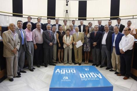 Reunión de la Mesa del Agua de la provincia de Alicante. | E.M.