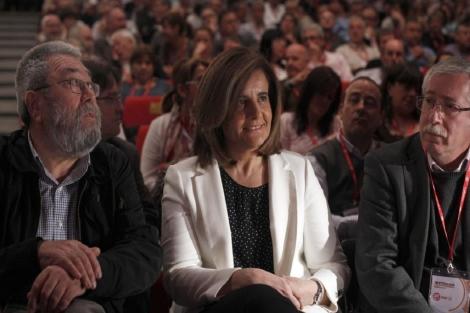 El secretario general de UGT, Cándido Méndez, la ministra de Empleo, Fátima Báñez y Toxo | El Mundo.es