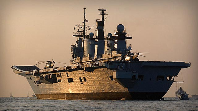 El portaaviones 'HMS Illustrious', buque estrella de las maniobras. | Royal Navy