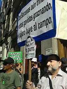 Protesta de 'preferentistas' en la Audiencia. | Foto: Julia Cruz.