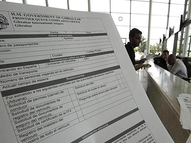 Formulario de quejas a disposición de los ciudadanos afectados.   A. Carrasco Ragel / Efe