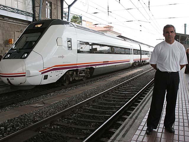 Cristóbal González, el presidente de la recién creada Asociación de Perjudicados por el Accidente Ferroviario del Alvia de Santiago de Compostela (Apafas). | Fotografías: Rosa González