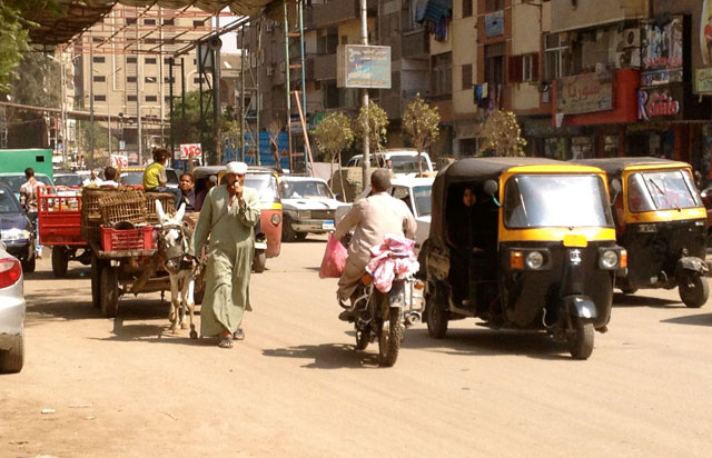 Una calle del barrio de Imbaba. | EL MUNDO