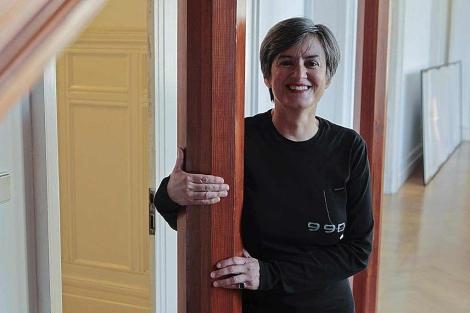 La escritora Luisa Etxenike posa en el Palacio Miramar de San Sebastián. | Araba Press