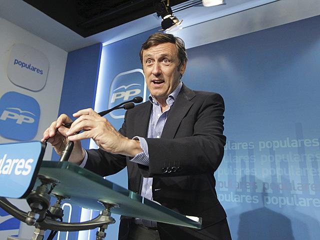 El portavoz adjunto del PP en el Congreso, Rafael Hernando, en rueda de prensa el pasado 22 de agosto. | Paco Toledo