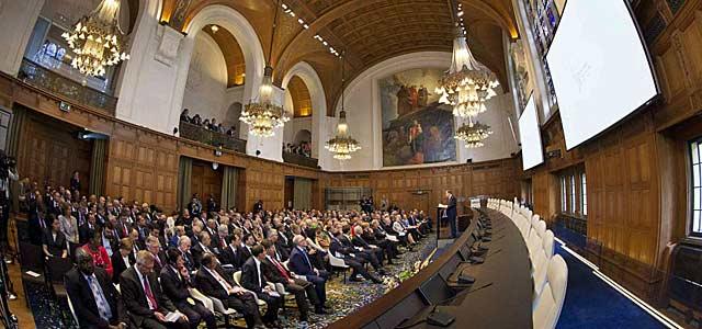 Ban Ki-moon, durante su intervención en La Haya.   Reuters