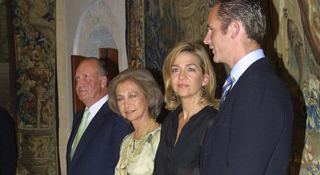Los Reyes y los Duques de Palma, en 2004. | EL MUNDO