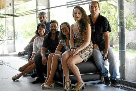 Los actores de la obra teatral 'Antígona' en el Teatro Central.   Esther Lobato
