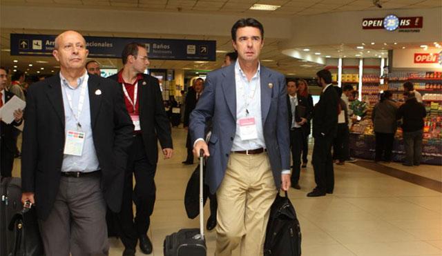 Wert y Soria a su llegada esta madrugada a Buenos Aires. | Efe