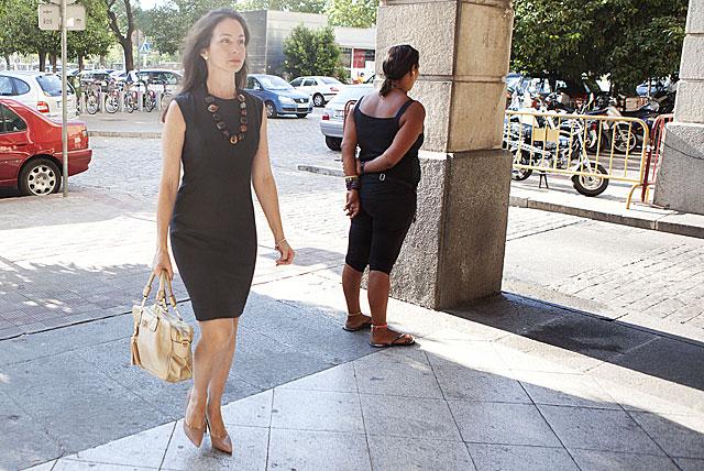 La juez Mercedes Alaya entrando en los juzgados de Sevilla. | Conchitina