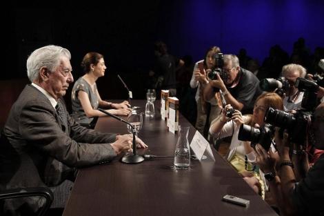 El escritor Mario Vargas Llosa, en la presentación de 'El héroe discreto'. | Efe