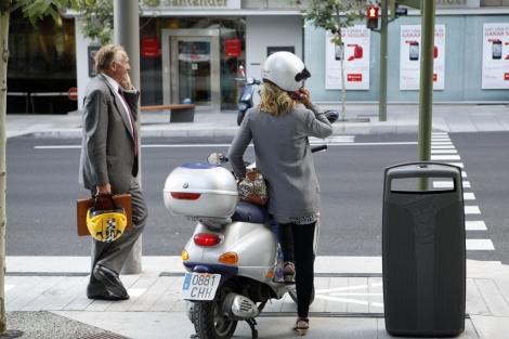 Usuarios de móvil en la calle   Sergio Rodríguez Nistral