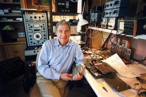 Ray Dolby, en su estudio. | Efe