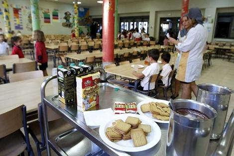 El comedor escolar de un colegio de Madrid. | Foto: Efe / Ángel Díaz.