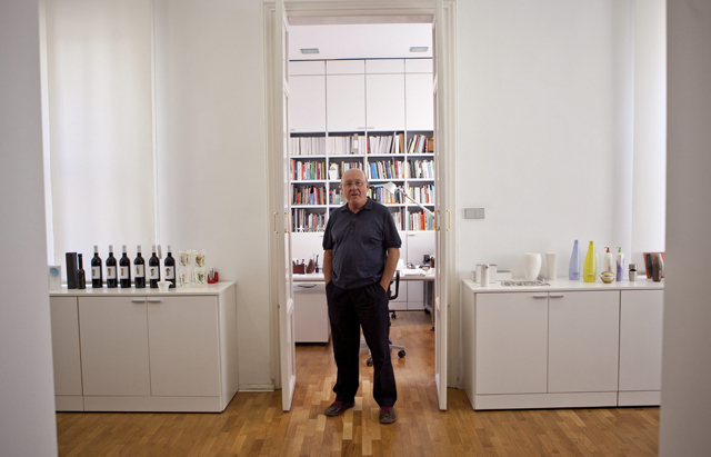 Nacho Lavernia, en su estudio. | Foto: Vicent Bosch